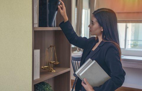 Law School Classes: 5 Key Courses You'll Take in Law School